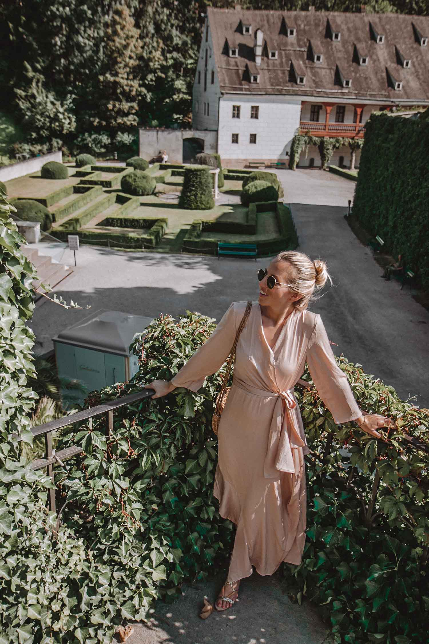 Princess moment maxi dress schloss ambras innsbruck